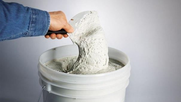 Замешивание шпатлевки для гипсокартона