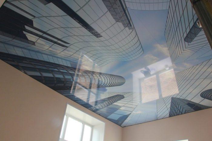 Натяжной потолок «Небо в мегаполисе»