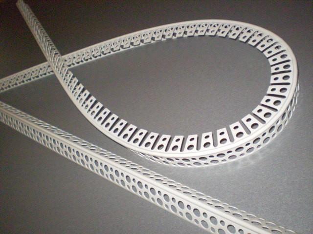 Перфорированный пластиковый арочный уголок